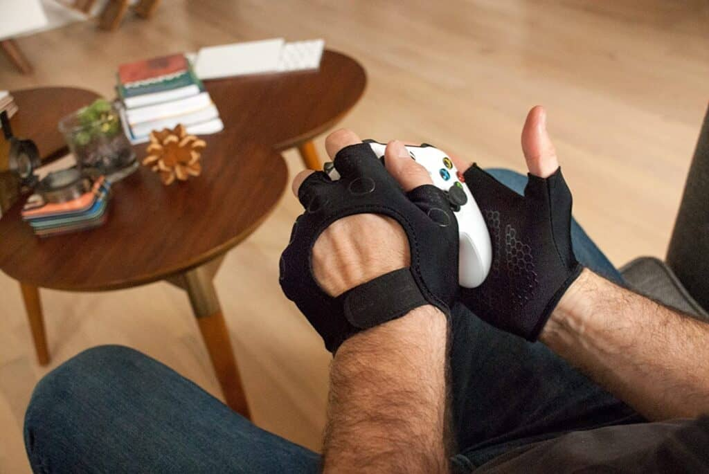 Foamy Lizard Gaming Gloves with Grip
